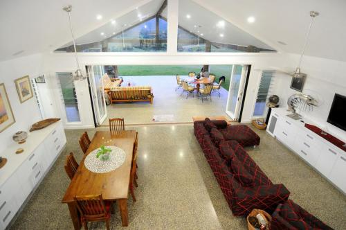 cairns-builder-mezzanine-house