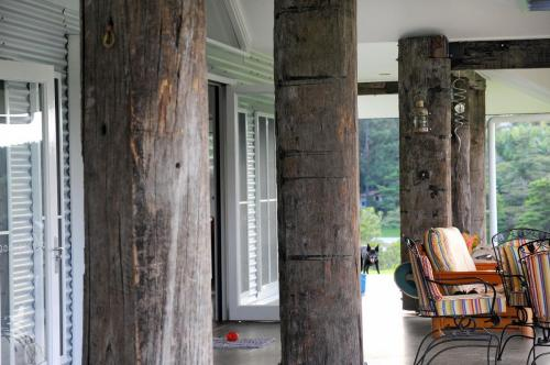 cairns-builder-recyled-timber-posts