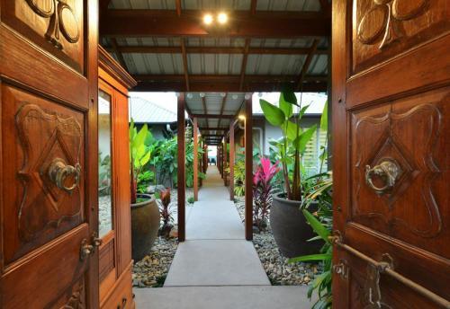 Cairns-Builder-Balinese-Syle-Home