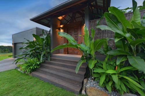 cairns-builder-pavilion-home-entrance