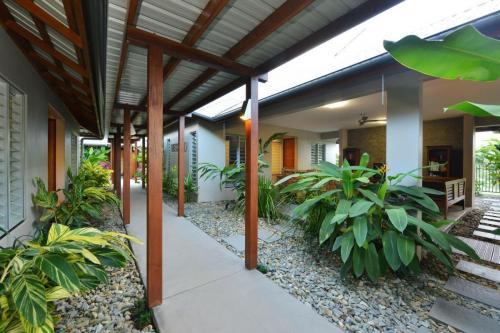 cairns-builder-pavilion-home-external-living