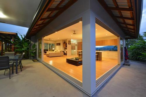cairns-builder-pavilion-home-open-plan-tropical