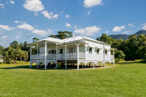 cairns-builder-queenslander-external-deck