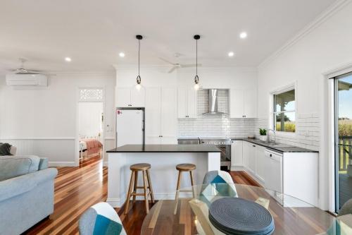 carins-builder-hamptons-kitchen