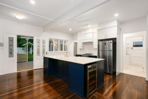 cairns-builder-navy-hamptons-kitchen