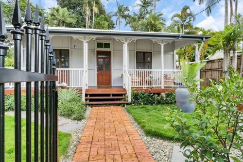cairns-builder-renovation-external-cottage