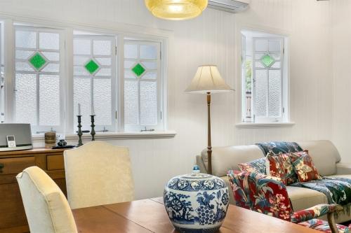 cairns-builder-renovation-replica-casement-windows